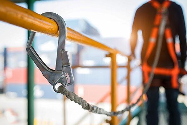 équipements protection travaux hauteur