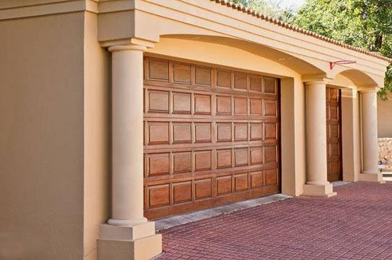 Porte de garage sectionnelle ou basculante
